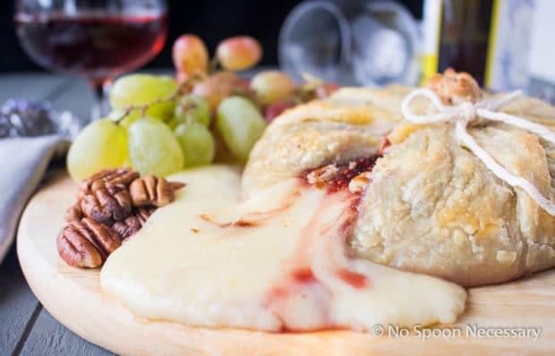 Raspberry Pecan Brie en Croute-124