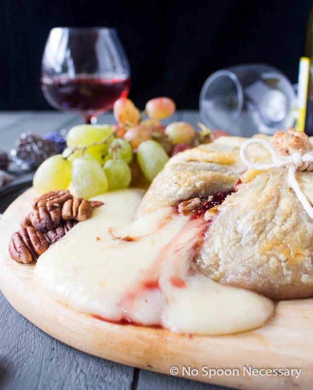 Raspberry Pecan Brie en Croute-58