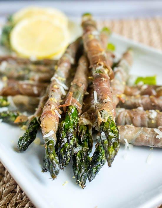 prosciutto wrapped asparagus-01