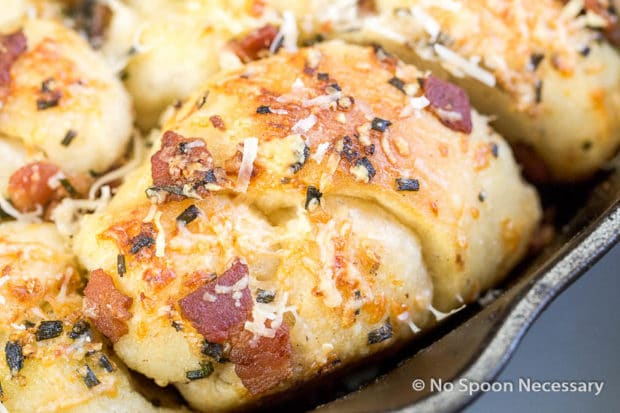 Bacon & Garlic Pull Apart Knots with Beer Cheese Sauce