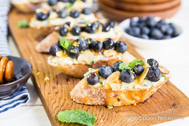 Blueberry Marscapone Crostini-123