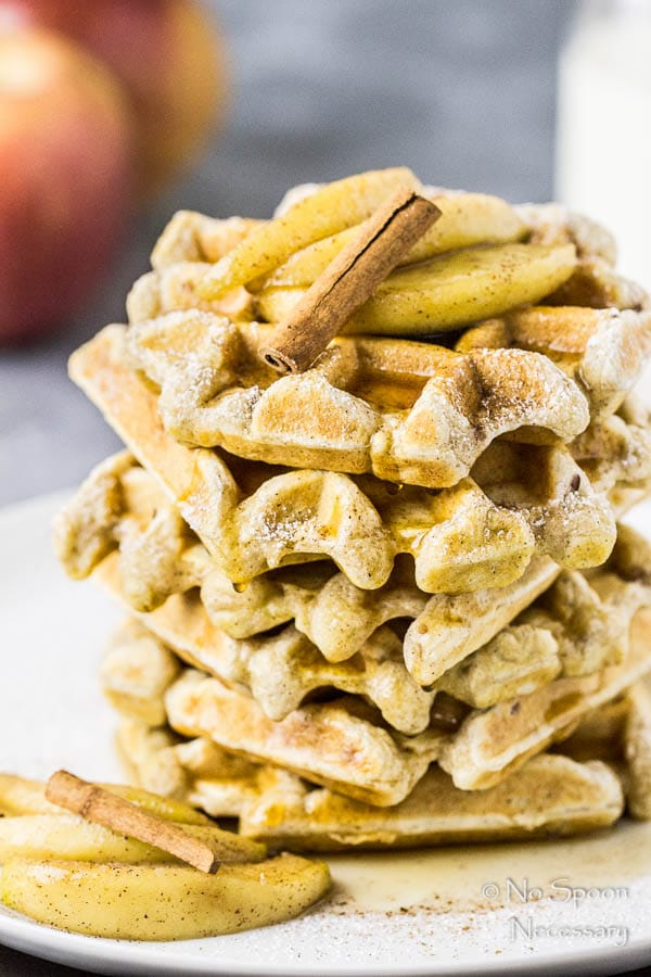 apple-cinnamon-waffles-with-bourbon-maple-syrup-14