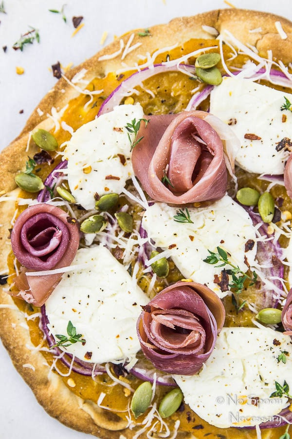 Butternut Squash Flatbread Pizza {with Goat Cheese, Prosciutto & Pumpkin Seeds}