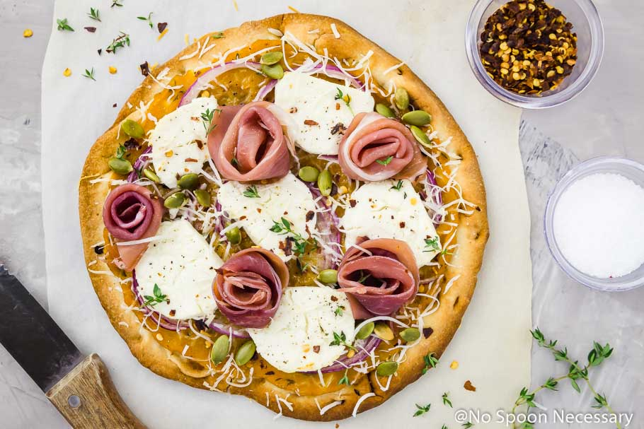 Butternut Squash Flatbread Pizza {with Goat Cheese, Prosciutto & Pumpkin Seeds} [with recipe video]