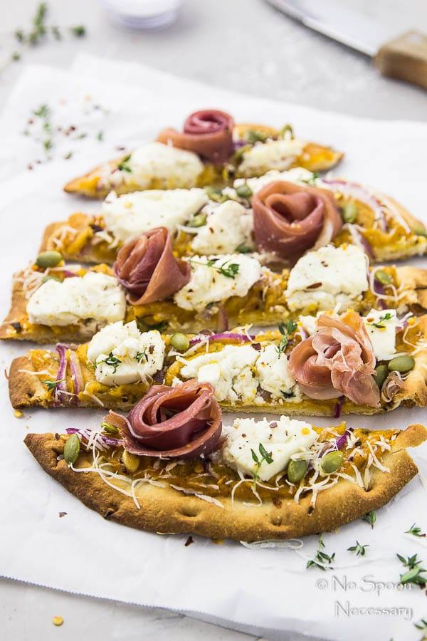 Butternut Squash Flatbread Pizza {with Goat Cheese, Prosciutto & Pumpkin Seeds}